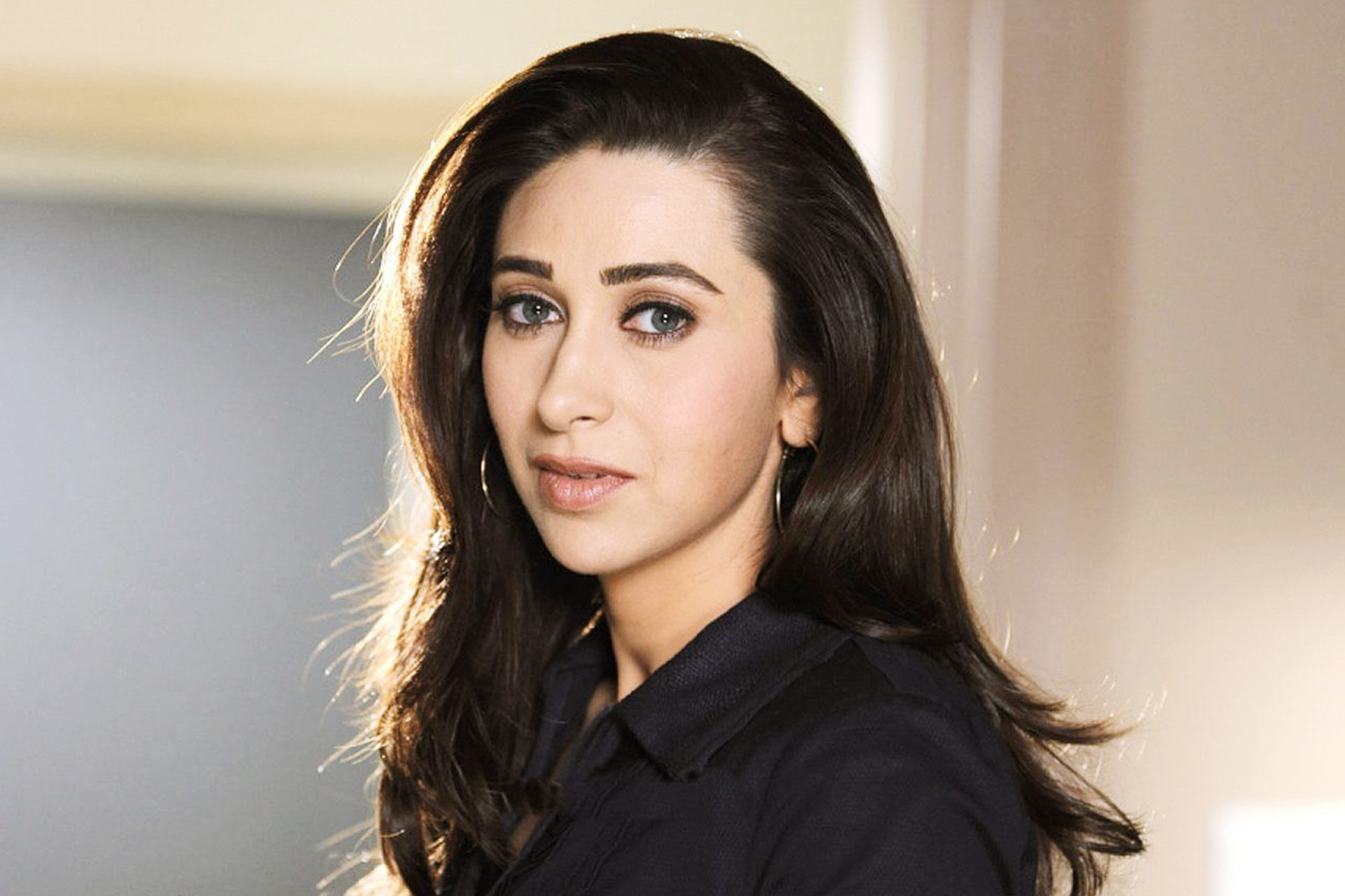 Karishma Kapoor - All Songs